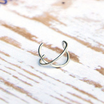 Criss Cross Ear Cuff, Cartilage Ear Cuff, No Pierce Ear Cuff, Simple Ear Cuff, Fake Cartilage Earring, Fake Helix Piercing, Gift Under 15
