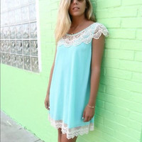 Lace O-neck Backless Sleeveless Short Dress