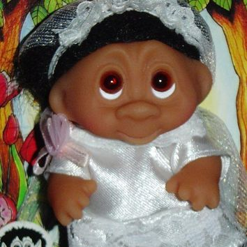 ONETOW WEDDING BRIDE Dam Troll Doll 3' NEW Wedding Party - Bride