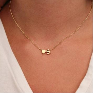 Hot 26 Letter & Heart-shaped Charm Pendant Necklace Women Simple Name Necklace Lovers Gift Gold Color Initial Choker-1