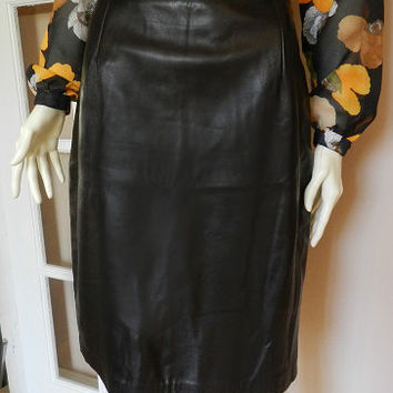 Danier Black Leather Skirt/High Waisted Midi Length Shirt, Genuine Leather, Pencil Skirt, Ladies Vintage Clothing