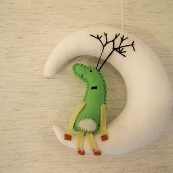 Reindeer (Deer)  and The Moon, Sew by Hand Felt Softie, Ornament Tutorial, PDF, Plush Pattern Est-Eng, Easy