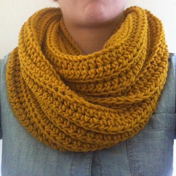 Chunky Infinity Scarf in Goldenrod, mustard infinity scarf , knit circle scarf, vegan,yellow , unisex, fall accessories