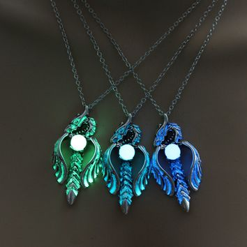 3 Colors Punk Style Dragon Pendant Glow In The Dark Sword Necklace Luminous Charm Necklace Women Jewelry Drop Shipping