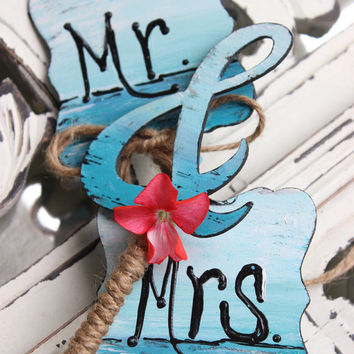 Artistic Beach Wedding Cake Topper Set-  Hand Painted Seascape Mr & Mrs sign With Ampersand,  Unique Coastal Wedding Reception Decor