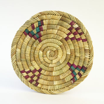Moroccan Round Flat Raffia Trivet with Maroon & Green accents