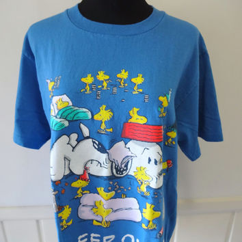 Vintage Peanuts Gang Sleep Over Graphic Tee