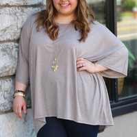 Crew Neck Basic in Brown {Curvy}