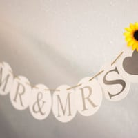 Wedding banner Mr & Mrs Banner Sunflower Wedding Garland Sign Banners Wedding Decoration Party Decor Photo Prop Rustic Wedding banner