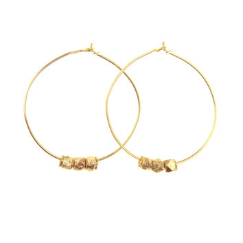 Hoops with nugget beads in gold or silver