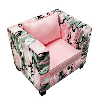 Komfy Kings, Inc 44028 Manhatten Chair Cammo Pink