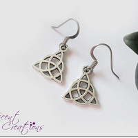 Small triquetra earrings, dangle Celtic knot charm earrings, trinity knot earrings, Germanic paganism charm earrings, women Celtic jewelry