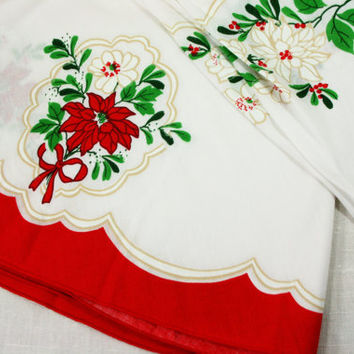 """Vintage Christmas Cameo 70"""" Round Tablecloth in Original Package"""