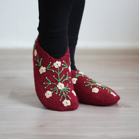 Red Women Slippers Socks, Size 7 - 7 1/2 , Hand knitted slippers in red, Turkish Slippers, Traditional embroidery, socks, clothing