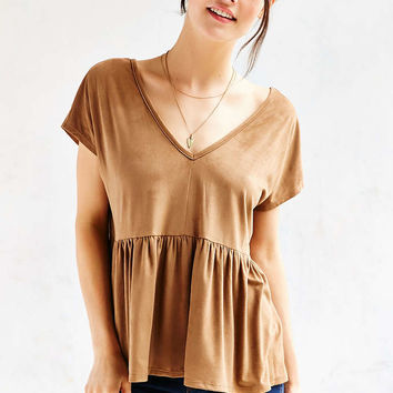 Kimchi Blue Layla Faux Suede Peplum Top - Urban Outfitters