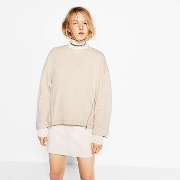 SWEATSHIRT WITH ZIPS DETAILS