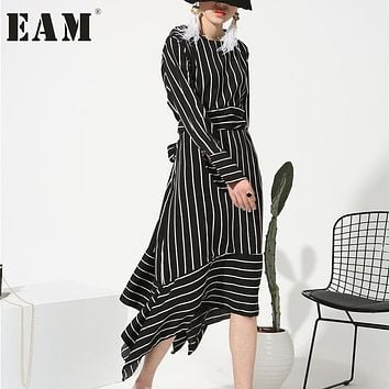 [EAM] 2017 new sping round neck long sleeve white striped loose dress for women fashion tide all-match Y07400