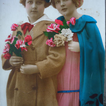 Antique french postcard - Two little girls winter coat, cape, hats, beret, flowers, hand tinted, art deco, rppc 1920 1930, vintage postcard