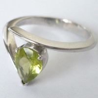 White gold plated sterling silver peridot ring -green stone ring -