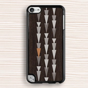Meteor totem case,personalized ipod touch case,symbol ipod 4 case,wood grain pattern ipod 5 case,wood grain figure ipod 4 case,ipod case,meteor shower case,gift case,fashion case,christmas present,new year present