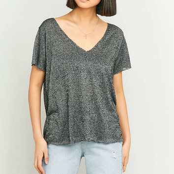 Truly Madly Deeply Textured V-Neck T-shirt - Urban Outfitters