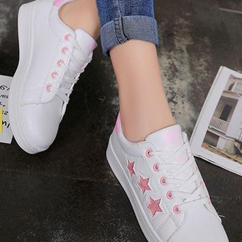 Pink Stars Print Round Toe Flat Lace-up Casual Shoes