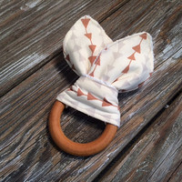 Natural Organic Wooden Teething Ring/Baby Teether Toy ~ Hello, Bear ~ Woodsy/Nature/Natural/Tribal/Geometric