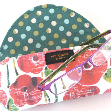 Eyeglass Case with Magnetic Closure in Red Poppies