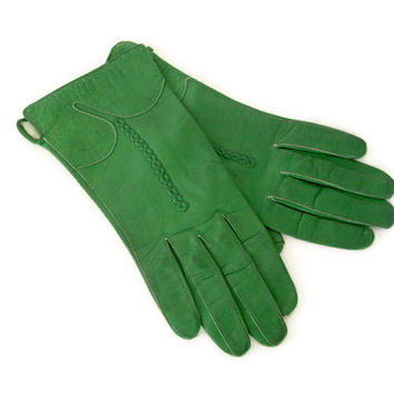 Vintage Ladies Leather Gloves, Kelly Green with Detailed Cuffs
