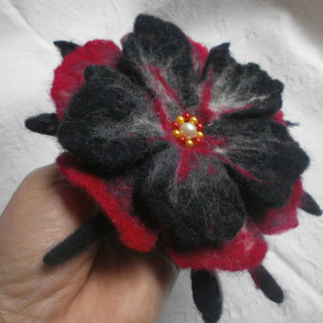 Wet Hand felted Brooch Flower Poppy, Wool Unique Felt Jewelry,Red Blue Gray White Felt Flower Brooch,Gift Her,Felt Christmas,Valentine's Day