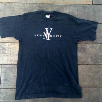 New York City embroidery NY T-shirt vintage