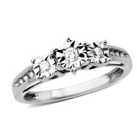 1/8 CT. T.W. Diamond Three Stone Ring in 10K White Gold - Size 7