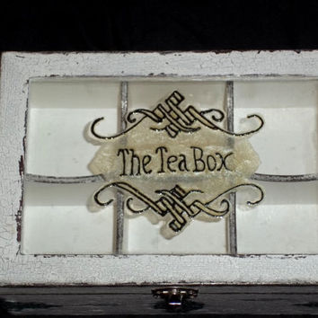 Wooden  tea box with glass