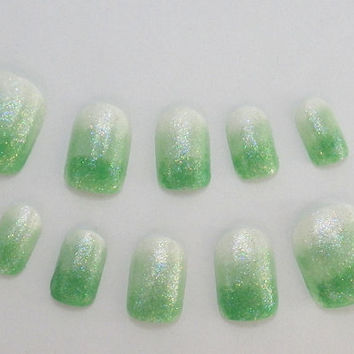 Fake Nails Ombre Green by NailKandy on Etsy