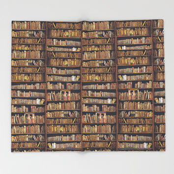 Read to live, live to read. Throw Blanket by anipani