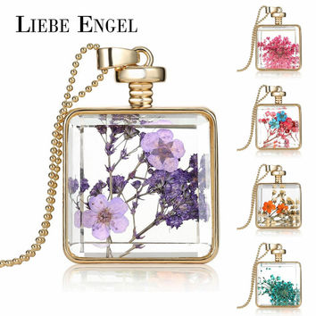 LIEBE ENGEL Chocker Dried Flowers Necklace Glass Square Pendant Gold Color Long Chain Statement Necklace Women Jewelry Collares