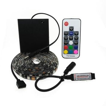 5050 LED Strip 5V TV lights RGB Black PCB IP20 / IP65 Waterproof Decorative Light lamps with RF contrllor 5V 4*AA Battery pack