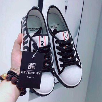 GIVENCHY Fashion Women Leisure Black White Mix Match Low Top Sport Shoes Sneakers(2-Color) I13578-1