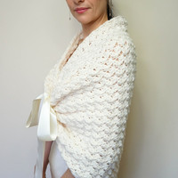 BRIDAL WRAP / WEDDING Shawl / Bridal Shawl/ Bridal Bolero / Bridal Cape / Bridal Shawl / Ivory Shawl / Wedding Capelet / Bridal Stole