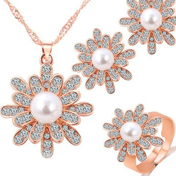 Floral Pattern Pearl and Rhinestone Jewelry Set
