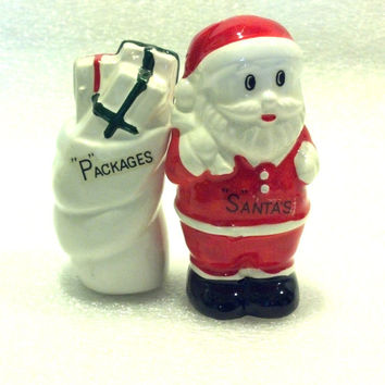 Christmas Santa Salt and Pepper Shakers - Vintage Salt and Pepper Set Excellent Condition - Mid Century Kitchen Kitsch Santa