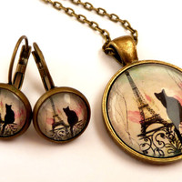 Enchanting necklace with Eiffel tower design and silhouette cat, Paris Necklace, France jewelry, round necklace, bronze necklace
