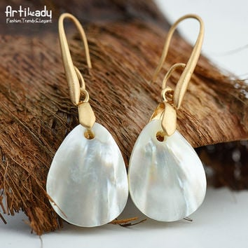 Lost In Paradise Natural Luminous Shell Drop Earrings