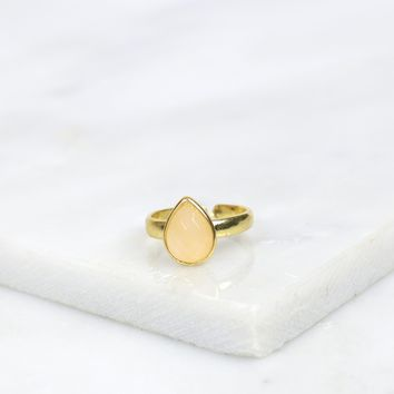 Teardrop Stone Ring Peach