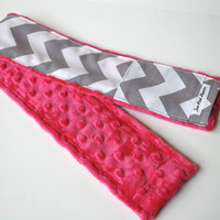 Chevron Camera Strap Cover with Lens Cap Pocket - for DSLR digital cameras - Gray and White Chevron, Fuchsia Minky