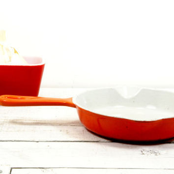Le Creuset Frying Pan Cast Iron Enamel Orange Flame 16