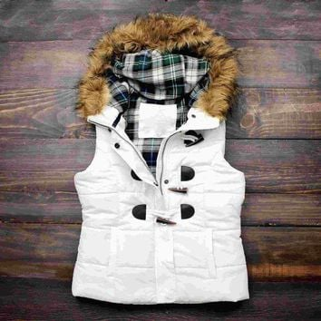 ONETOW Day-First? mountain slopes fur hooded white puffer vest