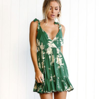 New fashion summer green V-neck print dress