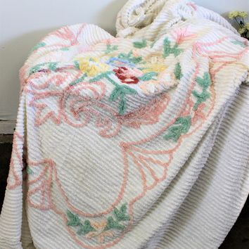 Vintage 1950s Chenille Bedspread Or Blanket, Full Or Queen Size