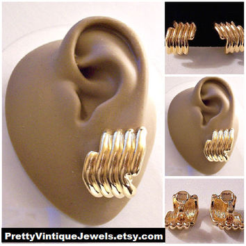 Monet Half Hoop Wave Line Clip On Earrings Gold Tone Vintage Extra Wide Domed Rib Columns Curved Discs